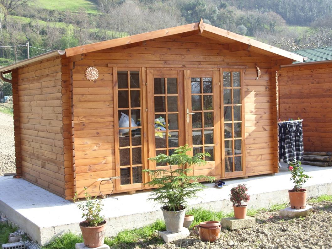 Casetta in legno basilicata for Costo per costruire un garage a 2 piani